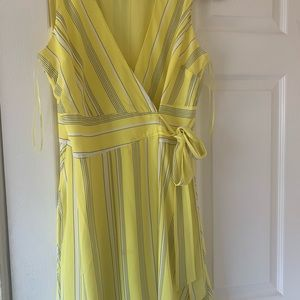 Bar lll women yellow striped dress